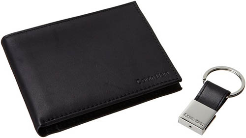 4. Klein Men's Leather Bifold Wallet
